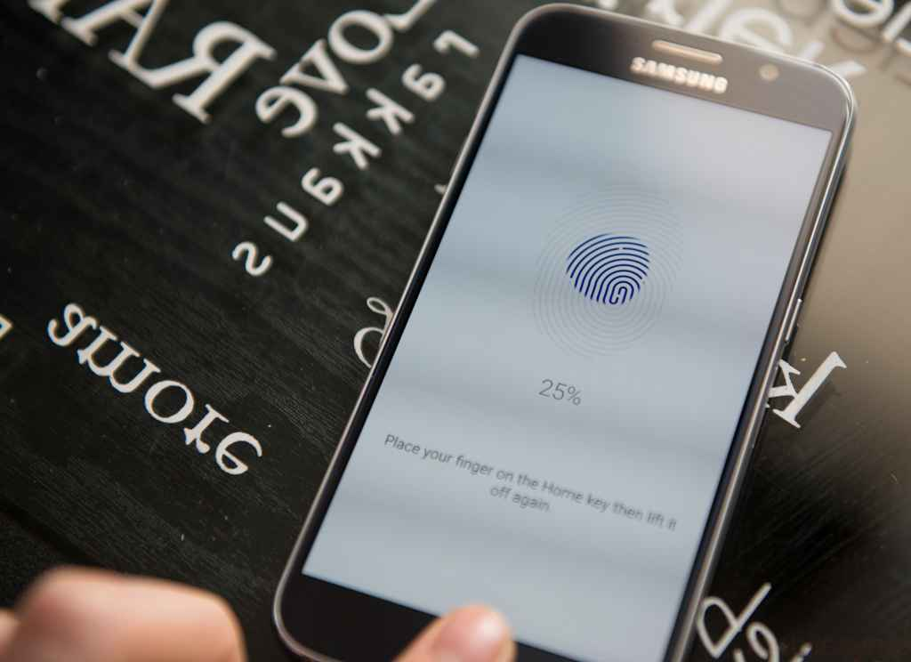 Fingerprint authentication is coming to next version of Android! {Android M}