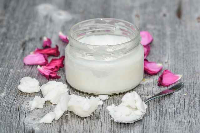 50 Benefits and Uses of Coconut Oil